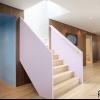 Дизайн сходи в стилі модерн для заміського будинку