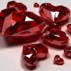 Як носити прикраси з рубіном