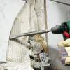 Як правильно прибрати плитку зі стіни і підлоги