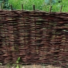 Як зробити паркан з гілок?