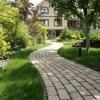 Як вибрати і укласти тротуарну плитку на дачі
