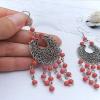 Як вибрати сережки з коралом в сріблі