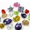 Кристалічний камінь циркон і його дивовижні властивості