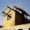 Мансардний двосхилий дах: переваги та особливості