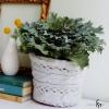В'язаний декор своїми руками для квіткового кашпо