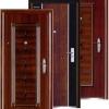 Металеві двері в будинку