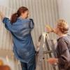 Обклеювання стін шпалерами: технологія, інструменти і нюанси