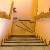 Як зробити сходи на другий поверх своїми руками надійну і зручну?