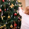Новорічні гірлянди: сміливі ідеї для прикраси квартири або будинку