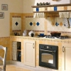 Під прицілом плитка для підлоги на кухню: від розрахунку до укладання