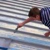 Фарбування даху будинку: якою фарбою краще фарбувати оцинкований дах?