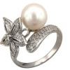 Купуємо кільце зі срібла з перлами: особливості каменю і правила догляду