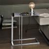 Приставний столик - висока функціональність в малих формах