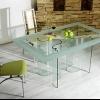 Скляні меблі: прозора краса у вашому домі