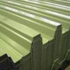 Чи варто укладати профнастил на плоский дах