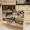 Висувні системи для кухні: розставимо все по своїх місцях