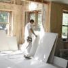 Вирівнювання стін гіпсокартоном у ванній: робимо своїми руками
